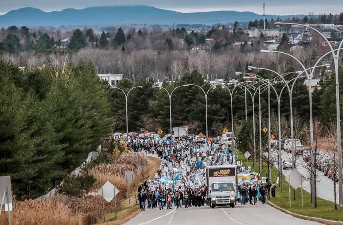 Manifestation du Front Commun syndical à Sherbrooke, le jeudi 12 octobre dernier. (Crédits : Syndicat de l'enseignement de l'Estrie)