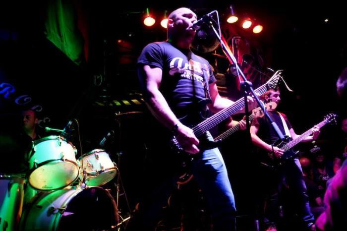 Hors Contrôle lors de leur passage au Revolution Fest II, en 2014 à Montréal. Crédits : C. Martin